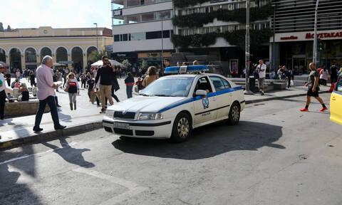 Μετρό Μοναστηράκι: Νεκρός ο άνδρας που εντοπίστηκε σε λίμνη αίματος στον σταθμό (pics)
