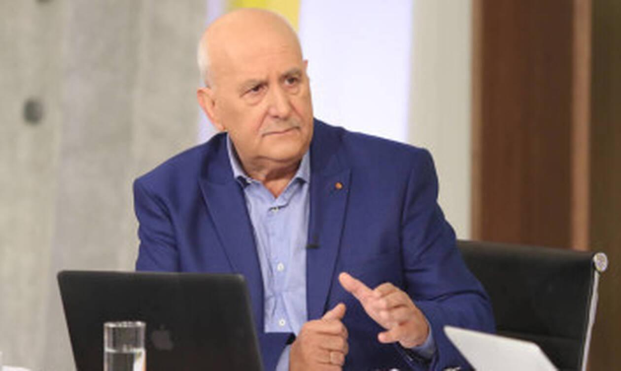Γιώργος Παπαδάκης: Ατύχημα on air για το δημοσιογράφο - Δείτε τι έγινε (pics)