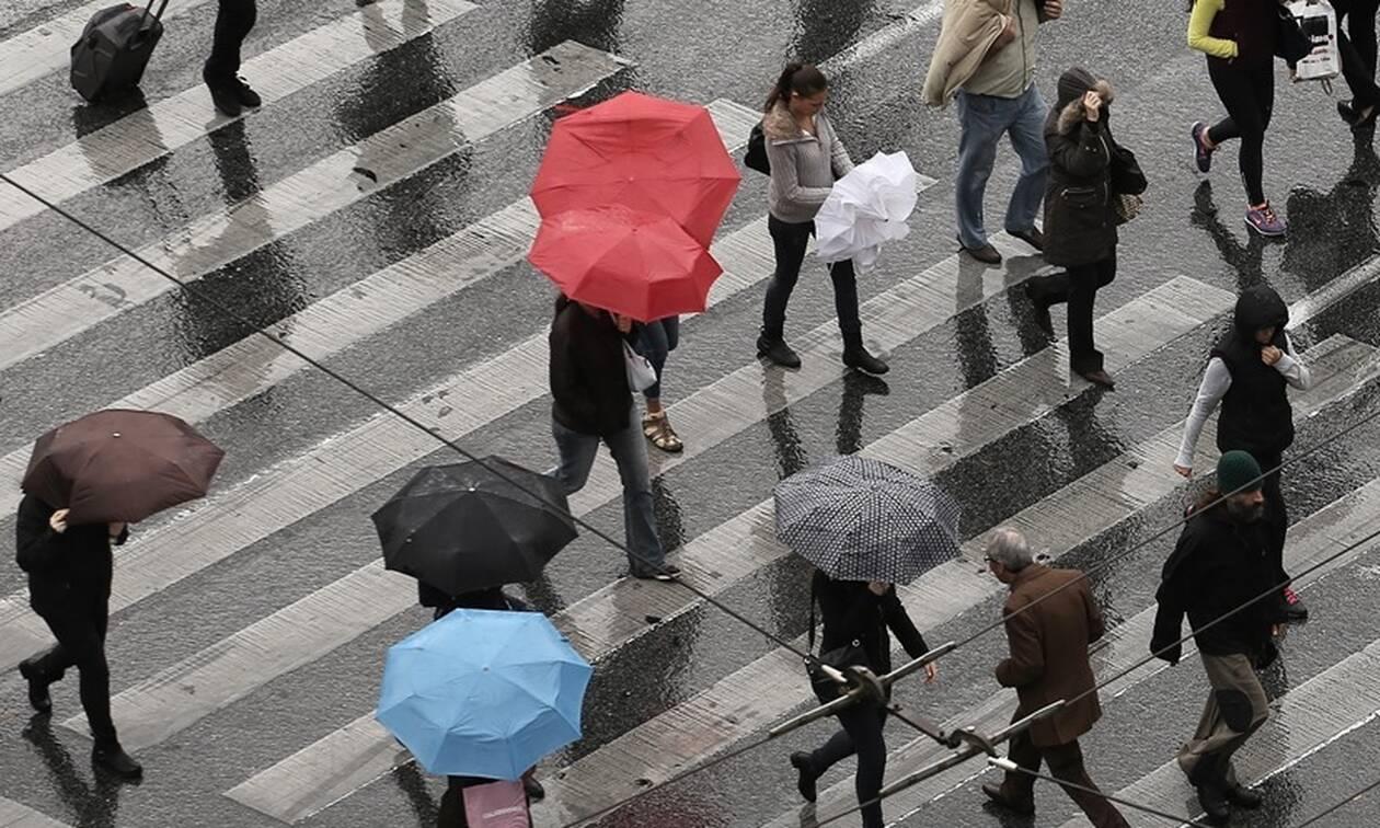 Καιρός: Καταιγίδες, χαλάζι και ισχυροί άνεμοι το Σάββατο - Πού θα είναι έντονα τα φαινόμενα