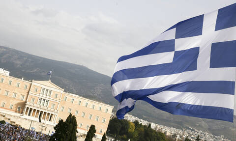 Σε τροχιά αναβάθμισης η Ελλάδα - Τι λένε οι οίκοι αξιολόγησης για την οικονομία
