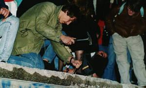 Πτώση τείχους του Βερολίνου - 9 Νοεμβρίου 1989: Η ημέρα που γκρεμίζεται το τείχος της ντροπής