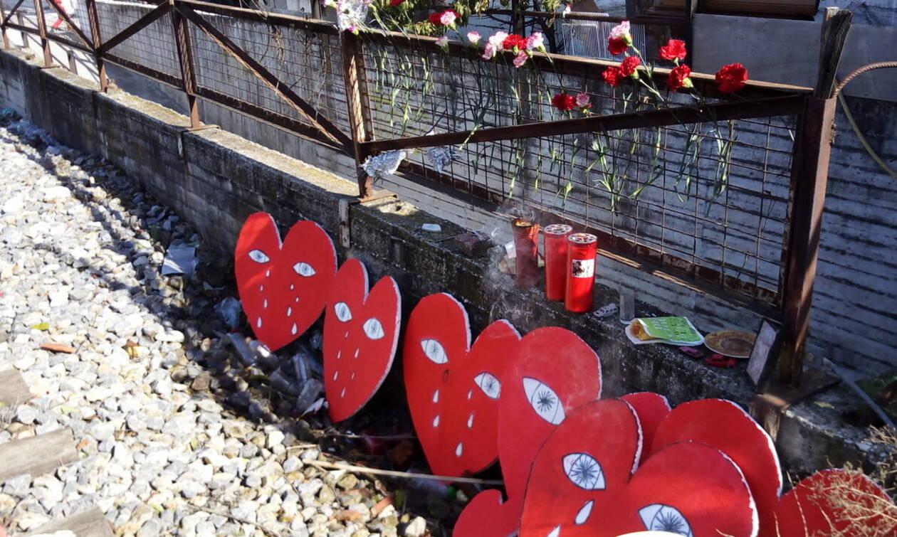 Λάρισα: «Έκλεισαν» τις σιδηροδρομικές γραμμές στη μνήμη 10χρονου μαθητή - Είχε σκοτωθεί στο σημείο