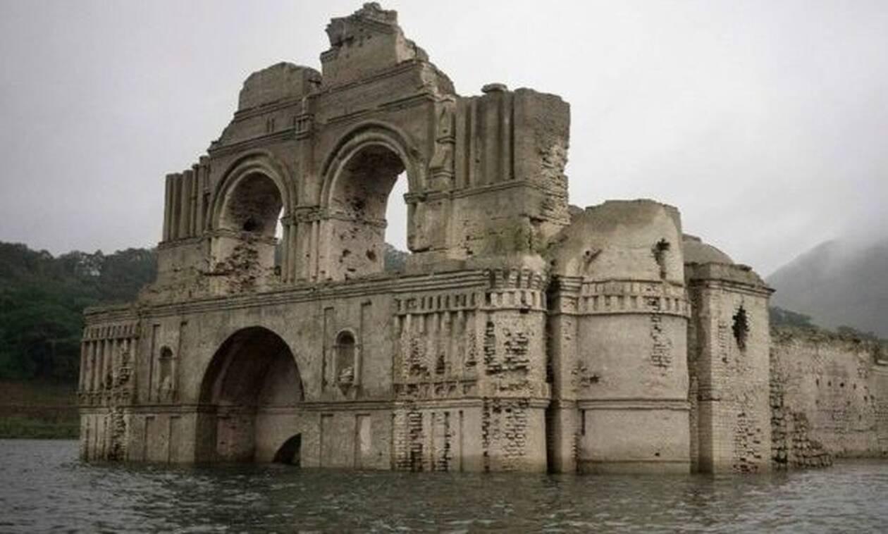 Δείτε τον ναό-φάντασμα που ξεπρόβαλε μέσα από ένα ποτάμι   ΦΩΤΟ