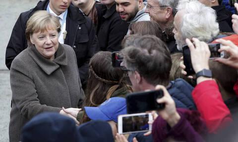 Πτώση Τείχους Βερολίνου - Μέρκελ: Η Ευρώπη να αγωνιστεί κατά του μίσους και του ρατσισμού