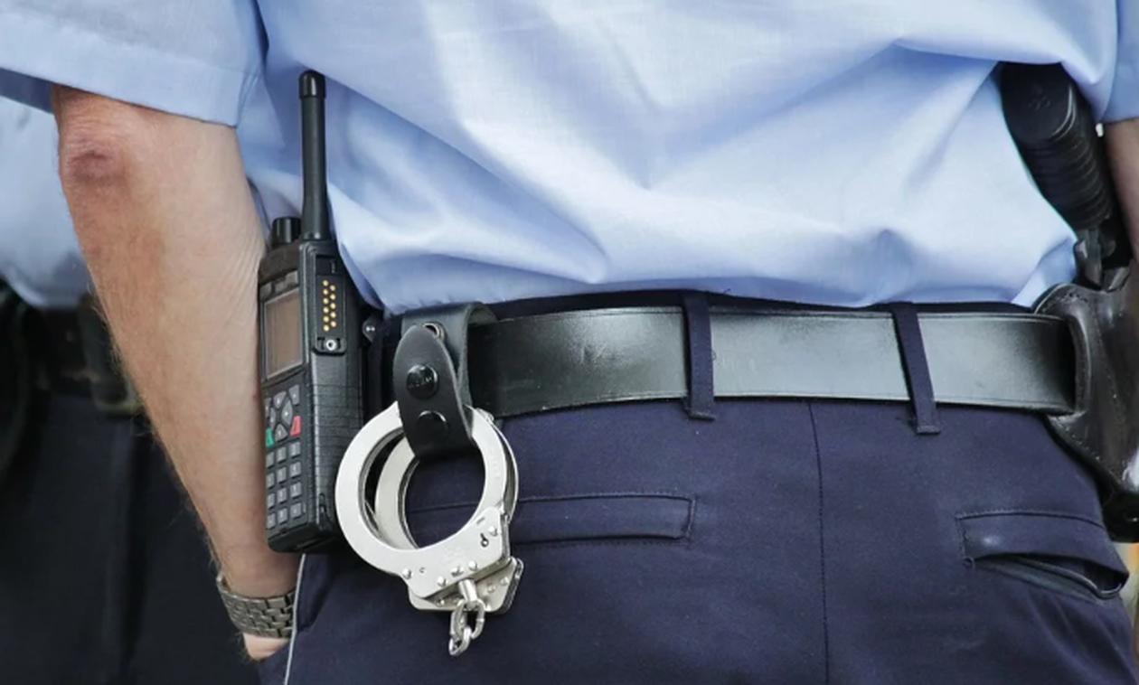 Αστυνομικός χορεύει γυμνός σε κλαμπ - Η συνέχεια είναι ακόμα πιο σοκαριστική