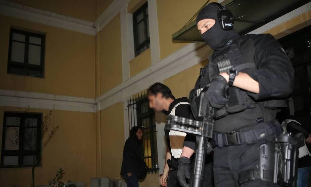Αντιτρομοκρατική για Επαναστατική Αυτοάμυνα: «Τρομακτική η ποσότητα των εκρηκτικών που εντοπίστηκε»