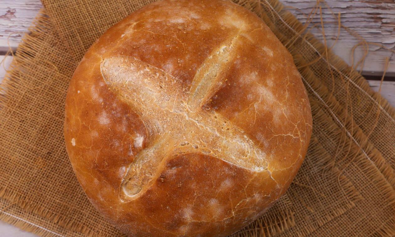 Εύκολη συνταγή για χωριάτικο ψωμί