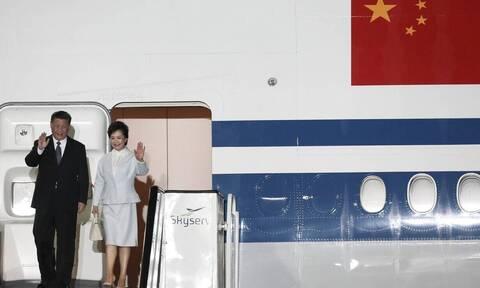 Си Цзиньпин прибыл с официальным визитом в Афины