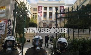 Επεισόδια στο κέντρο της Αθήνας: Ένταση και χημικά στην ΑΣΟΕΕ