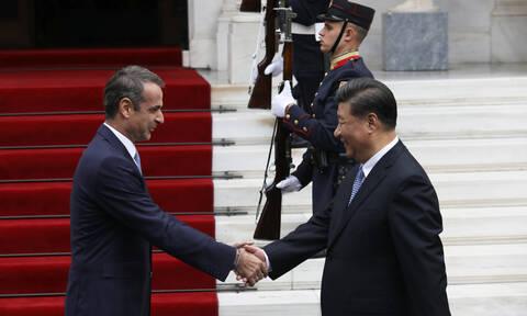 Οι 12 προσωπικότητες που θα βρεθούν στο γεύμα προς τιμήν του Κινέζου Προέδρου