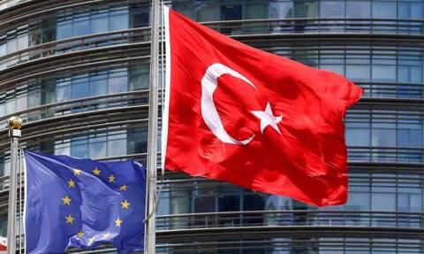 «Χαστούκι» της ΕΕ στην Τουρκία για τις γεωτρήσεις στην Αν. Μεσόγειο – Οι κυρώσεις των Ευρωπαίων
