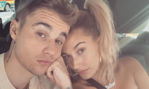 O Justin κι η Hailey Bieber έκαναν βόλτα κι αυτό που συνέβη ήταν τουλάχιστον ασυνήθιστο