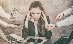 Σύνδρομο εργασιακής εξουθένωσης: Σημάδια ότι ξεπερνάτε τα όριά σας (εικόνες)