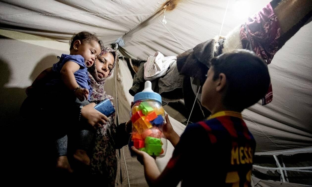 ΕΟΔΥ: Εμβολιασμοί προσφυγόπουλων σε Μόρια και Σάμο για ιλαρά και πνευμονιόκοκκο