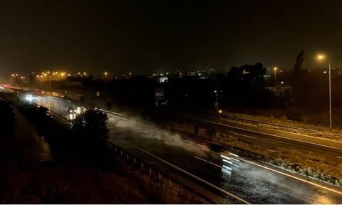 Καιρός ΤΩΡΑ: Σφοδρή καταιγίδα στην Αθήνα - Η «Βικτώρια» χτυπά την Αττική! Συναγερμός στις Αρχές