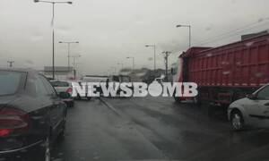 Κίνηση στους δρόμους: «Χάος» ΤΩΡΑ στην Αθηνών - Λαμίας - Ατύχημα με βυτιοφόρο (pics)