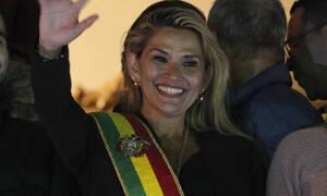 Η Jeanine Anez αυτοανακηρύχθηκε πρόεδρος της Βολιβίας