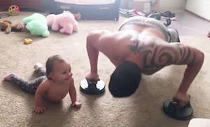 Δείτε πώς αυτά τα μωρά κάνουν γυμναστική  (vid)