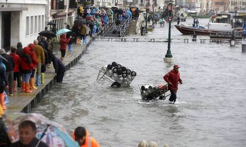 Η Βενετία «πνίγεται»: Δρόμοι και πλατείες μετατράπηκαν σε ποτάμια