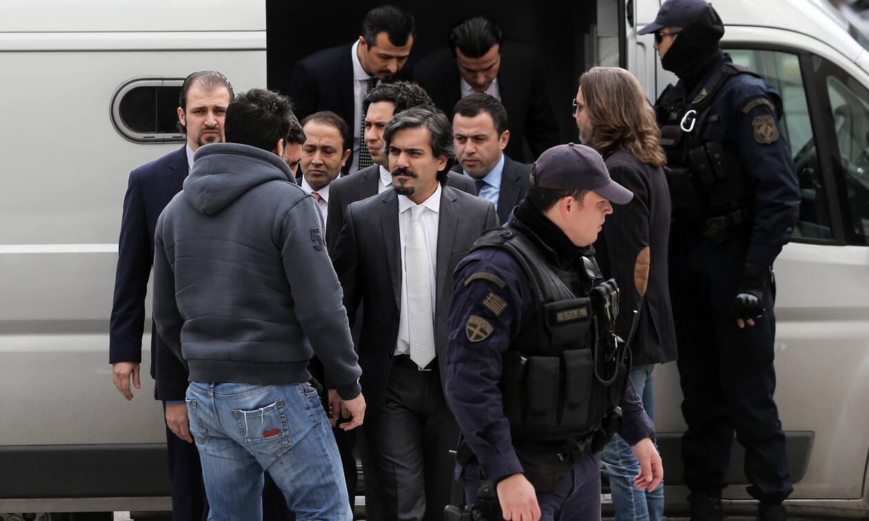 Αποκάλυψη - «βόμβα»: Στρατιωτική επιχείρηση των Τούρκων για να πάρουν πίσω τους 8 «πραξικοπηματίες»