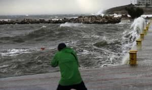 Κακοκαιρία: «Σφυροκοπά» τη χώρα η «Βικτώρια» -  Πού θα χτυπήσουν τα φαινόμενα - Πότε θα υποχωρήσουν