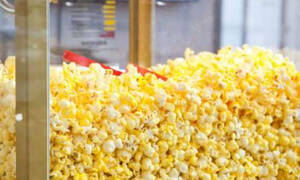 Γιατί τα ποπ κορν του σινεμά είναι κίτρινα; Δεν θα το βρεις ποτέ