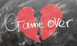 Γνωστό ζευγάρι της Ελληνικής showbiz παντρεύτηκε πριν ένα χρόνο και άρχισαν οι φήμες χωρισμού