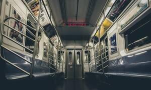 Δεν πίστευαν στα μάτια τους οι επιβάτες του Μετρό – Δείτε τι έκανε στο βαγόνι (pics)