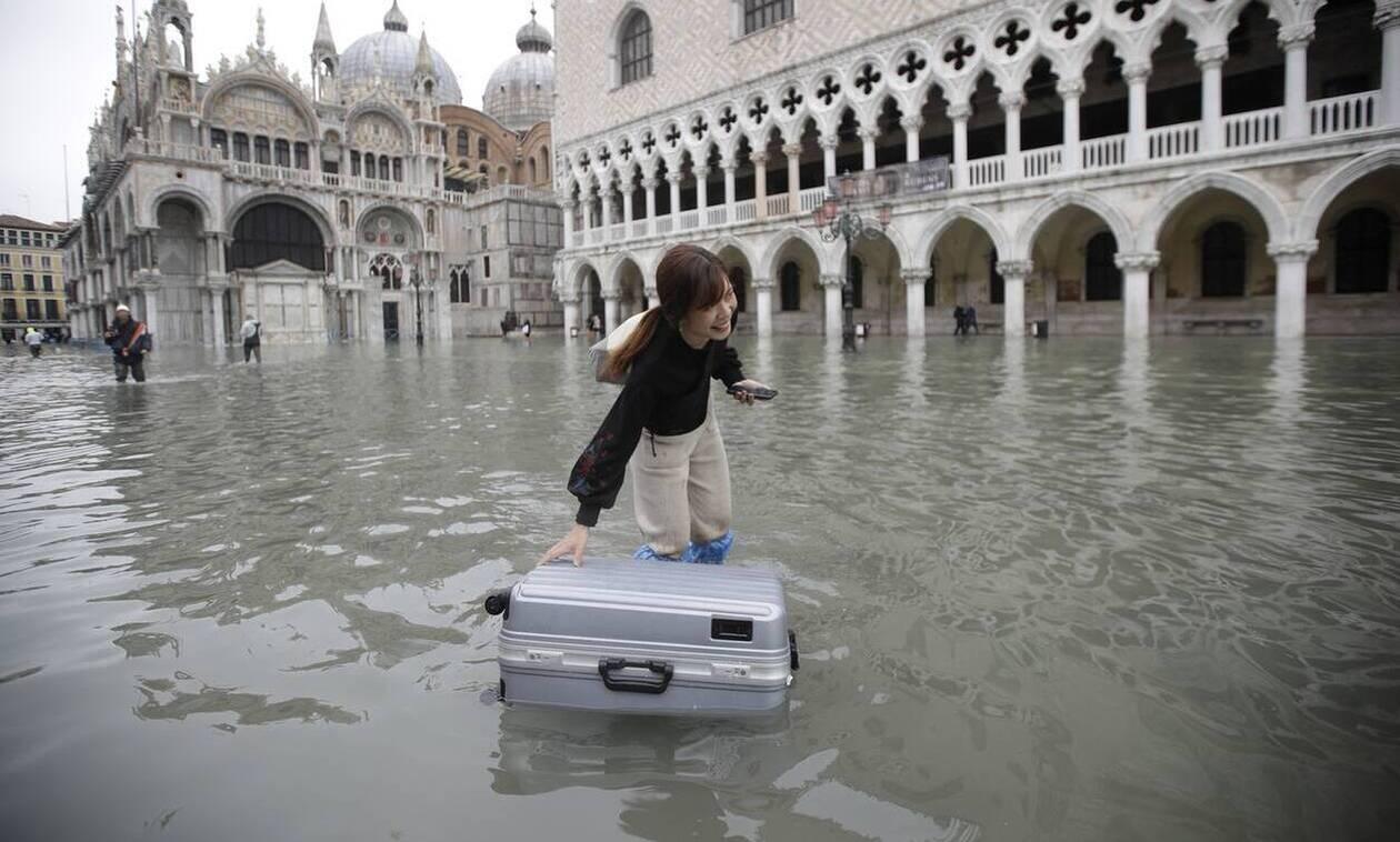 Η Βενετία «βούλιαξε»: Εικόνες Αποκάλυψης – Δύο νεκροί και ανυπολόγιστες καταστροφές (pics)