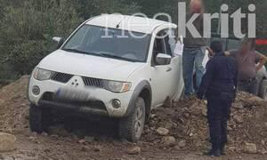 Παραλίγο τραγωδία στο Ηράκλειο: Οδηγός ήθελε να περάσει από την κλειστή γέφυρα του Γεροποτάμου