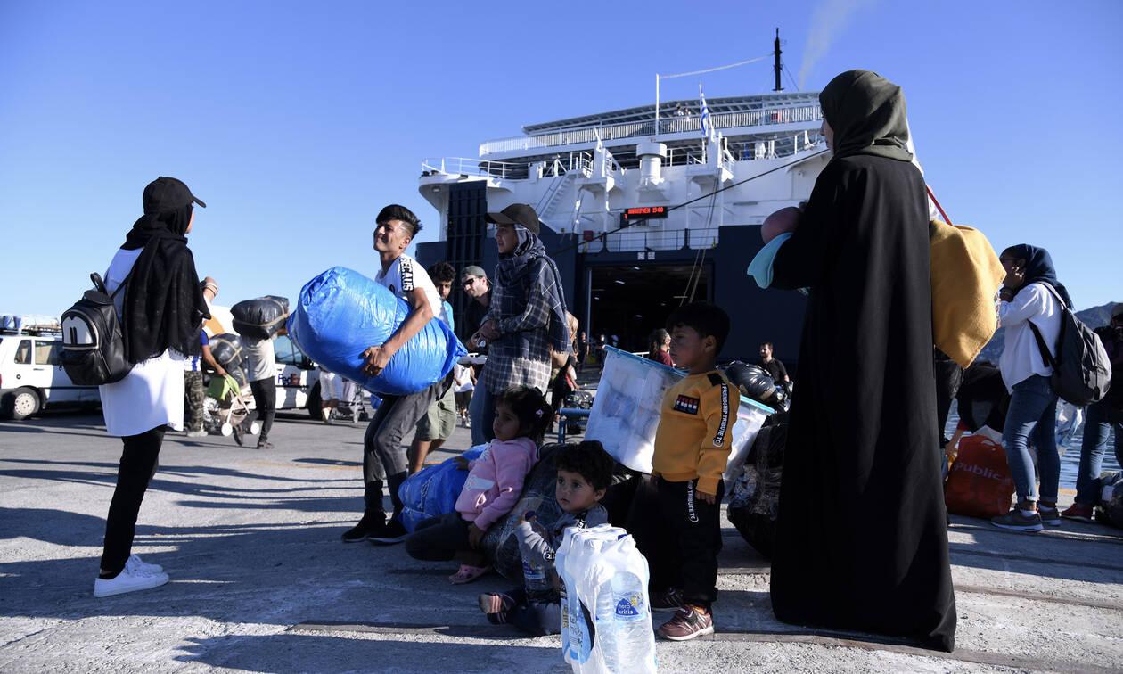 Συνεχίζεται η αποσυμφόρηση των νησιών: Στον Πειραιά 347 μετανάστες και πρόσφυγες