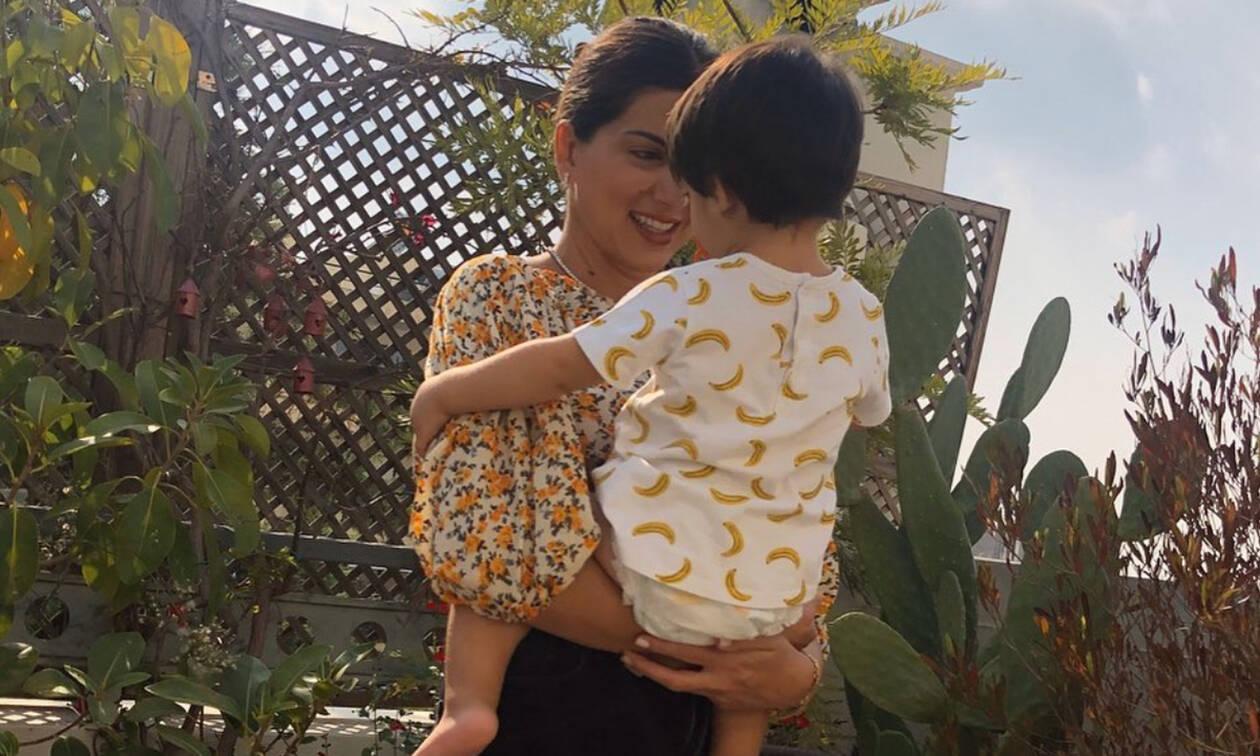 Σταματίνα Τσιμτσιλή: Δείτε πώς πείθει τον γιο της να πάνε παρέα στο σούπερ μάρκετ (pics)