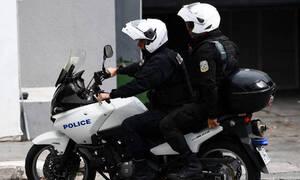 Εξάρχεια: Ανάληψη ευθύνης για την επίθεση σε αστυνομικούς