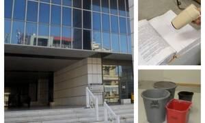 Κακοκαιρία «Βικτώρια»: Απίστευτες εικόνες-Στεγνώνουν με…πιστολάκι τις δικογραφίες στο Εφετείο Αθηνών