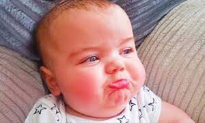 Οι θυμωμένες γκριμάτσες των μωρών - Ένα απολαυστικό βίντεο που πρέπει να δείτε (vid)