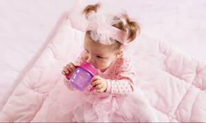 Μωρό και νερό: Απαντήσεις σε ερωτήσεις που κάνουν όλες οι μαμάδες