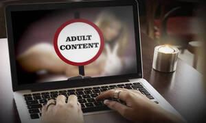 «Βόμβα»: Έτσι σας βιντεοσκοπούν όταν μπαίνετε σε sites με πορνό (pics)