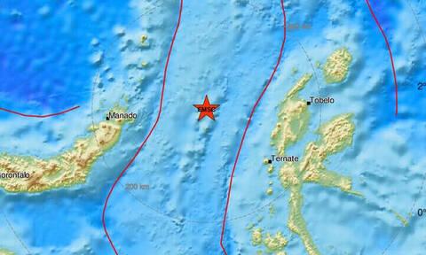 Ισχυρός σεισμός 7,1 Ρίχτερ στην Ινδονησία – Προειδοποίηση για τσουνάμι