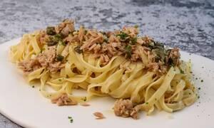 Η συνταγή της ημέρας: Ταλιατέλες με τόνο και κάπαρη