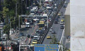 Τροχαίο στη Συγγρού: Μηχανή παρέσυρε πεζούς – Ουρές χιλιομέτρων (pics)