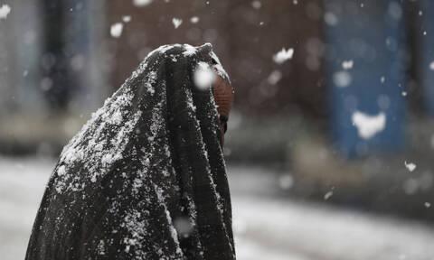 Γαλλία: Ένας νεκρός και 300.000 νοικοκυριά χωρίς ηλεκτρικό ρεύμα λόγω ισχυρών χιονοπτώσεων