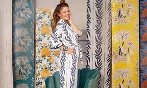 Οι νέες peel-and-stick ταπετσαρίες της Drew Barrymore δίνουν fun look στον χώρο σου