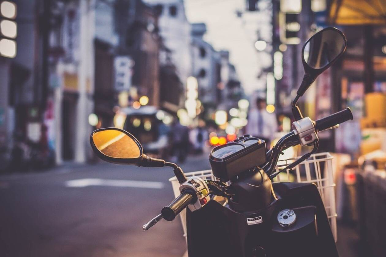 scooter-2792992_1280.jpg
