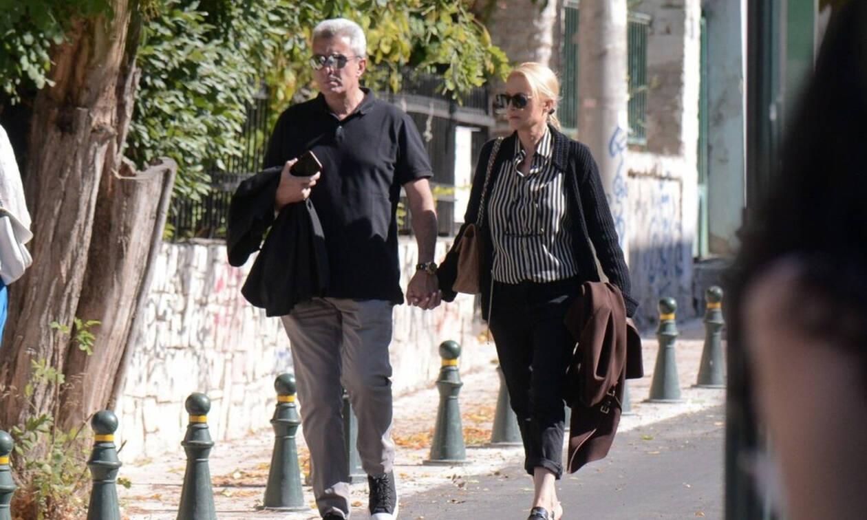 Χατζηνικολάου – Τσολακάκη: Ερωτευμένοι και χέρι χέρι στους δρόμους της Κηφισιάς !(Pics)