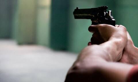 Θαύμα ή τύχη: Προκαλεί δέος ο τρόπος που σώθηκε από πυροβολισμό στο στήθος (pics)
