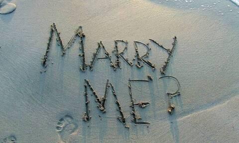 Η πιο αποτυχημένη πρόταση γάμου – Δείτε τι έπαθε ο... γκαφατζής γαμπρός (pics)