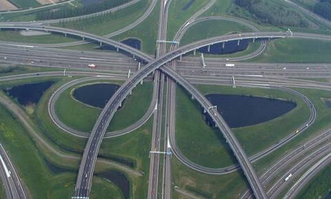 Όριο 100 χλμ/ώρα στην Ολλανδία για τους ρύπους
