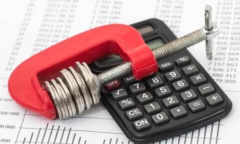 Ληξιπρόθεσμες οφειλές: Κατά 2,6 δισ. ευρώ μειώθηκαν τα χρέη των νοικοκυριών