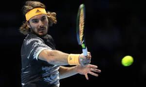 Απίστευτος Τσιτσιπάς «λύγισε» τον Φέντερερ και πέρασε στον τελικό του ATP Finals