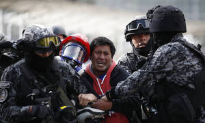 Καταγγελία στον ΟΗΕ: Στη Βολιβία υπάρχει αναίτια και δυσανάλογη χρήση βίας